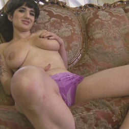 Arabelle Raphael in 'Burning Angel' Arabelle's Instructional Video (Thumbnail 4)