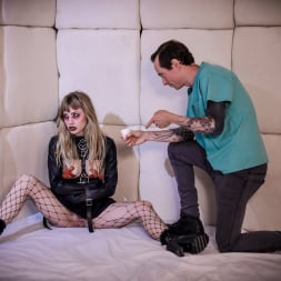 Ivy Wolfe in 'Burning Angel' Goth Teen Nymphos : Ivy Wolfe (Thumbnail 4)
