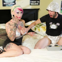 Jessie Lee in 'Burning Angel' Killer Kleavage From Outer Space - Episode 5 (Thumbnail 2)