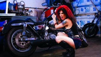 Joanna Angel in 'Joanna Loves Jenna Haze'