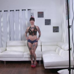 Kendra Cole in 'Burning Angel' BTS Episode 86 (Thumbnail 10)