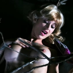 Kleio Valentien in 'Burning Angel' Double Pine-etration (Thumbnail 3)