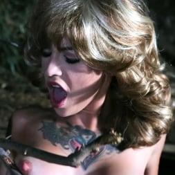 Kleio Valentien in 'Burning Angel' Double Pine-etration (Thumbnail 8)