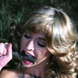 Kleio Valentien in 'Burning Angel' Double Pine-etration (Thumbnail 9)