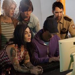 Larkin Love in 'Burning Angel' Walking Dead Orgy! (Thumbnail 1)