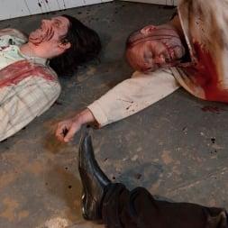 Larkin Love in 'Burning Angel' Walking Dead Orgy! (Thumbnail 15)