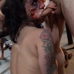 Larkin Love in 'Burning Angel' Walking Dead Orgy! (Thumbnail 60)