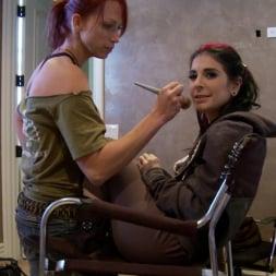 Nicki Hunter in 'Burning Angel' Makeup Makeout (Thumbnail 2)