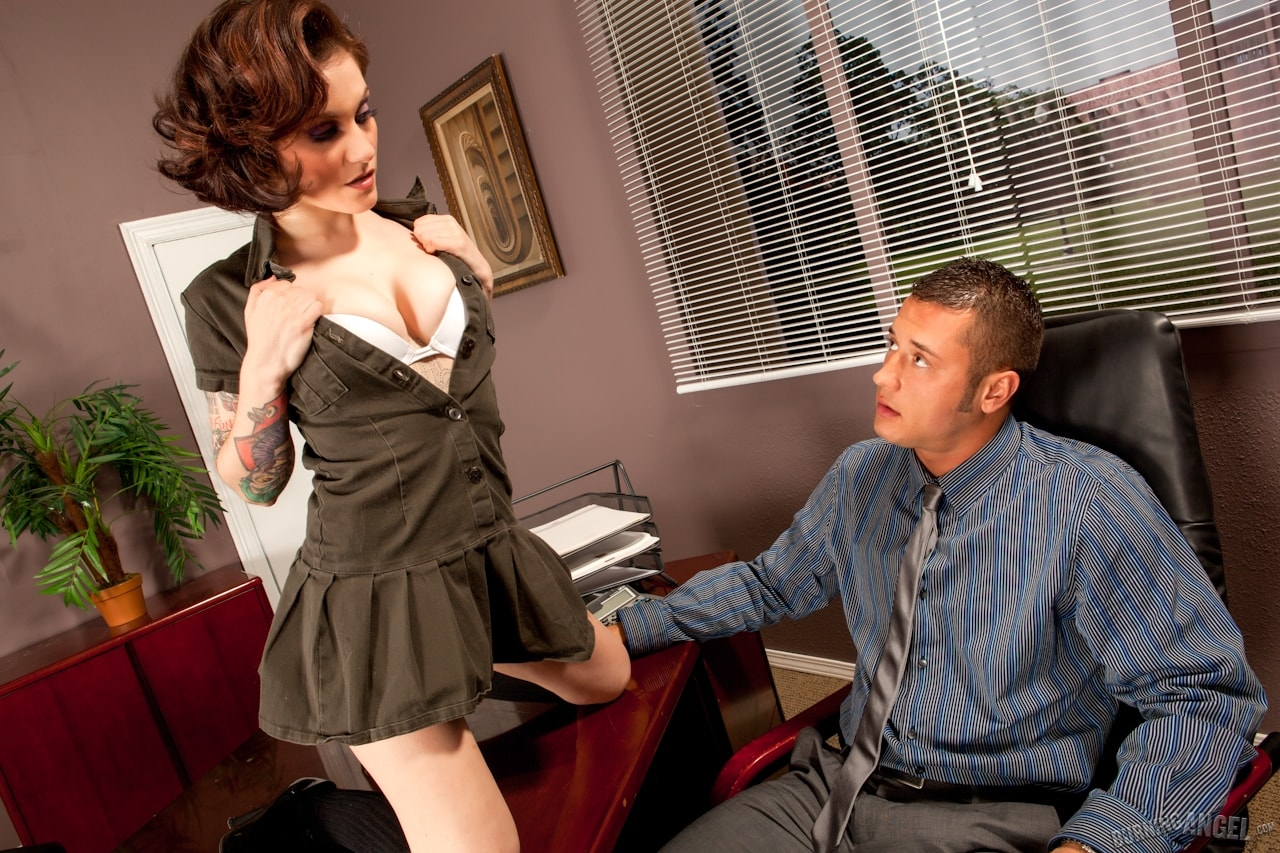 Burning Angel 'Fuck Me - It's For Education' starring Rizzo Ford (Photo 2)