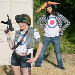 Rizzo Ford in 'Burning Angel' Tank Girl and Booga (Thumbnail 3)