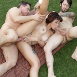Veronica Layke in 'Burning Angel' Threesome Poolside Party (Thumbnail 9)