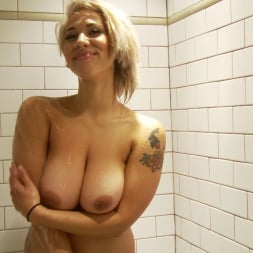 Veronica Rose in 'Burning Angel' Veronica Twiddles The Bean (Thumbnail 4)