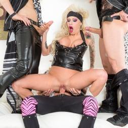Vyxen Steel in 'Burning Angel' Hot Tub Whore Machine (Thumbnail 8)